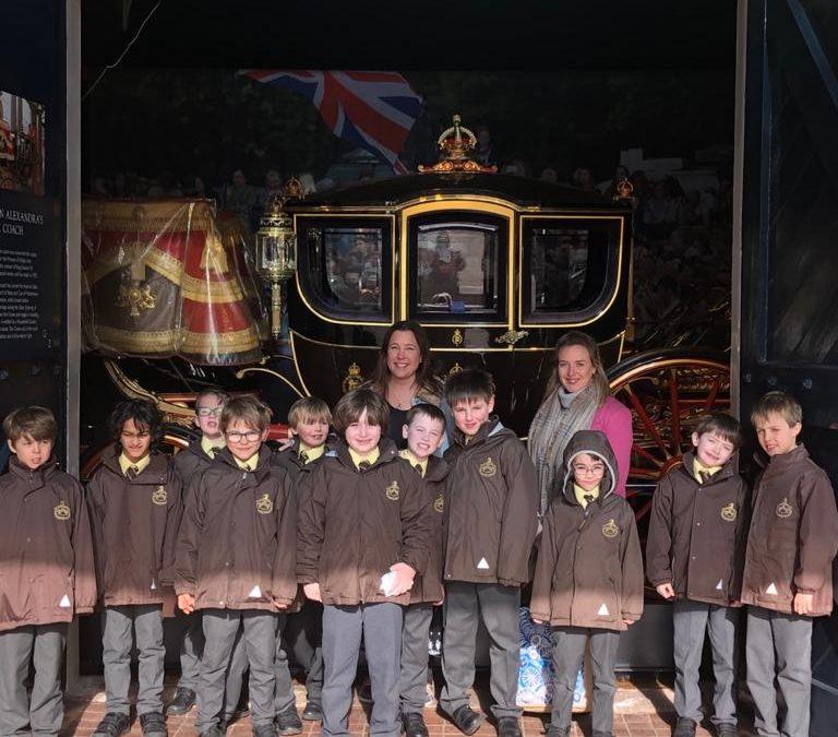 Juniors Visit to Buckingham Palace